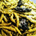 Trofie con crema di cavolo nero, mandorle e pecorino | Agriturismo Il Castagneto - Castiglione Chiavarese | Liguria |