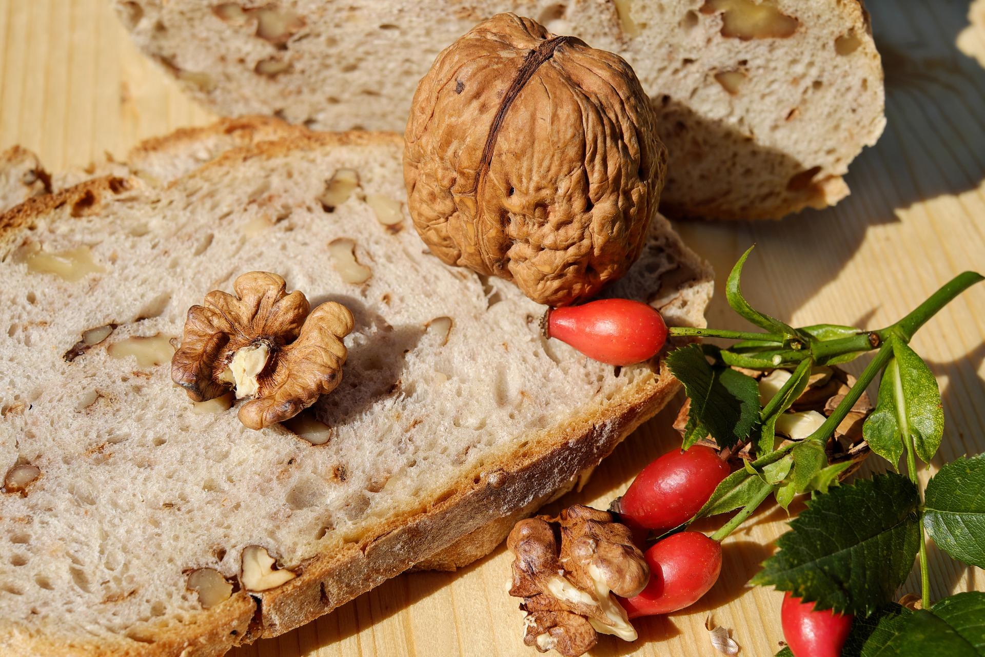 Pane alle noci > Le ricette dell'Agriturismo Il Castagneto - Castiglione Chiavarese - Sestri Levante - Genova